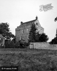 Elsdon Castle 1950, Elsdon