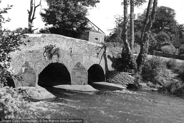 Photo of Elstead, Somerset Bridge c.1955