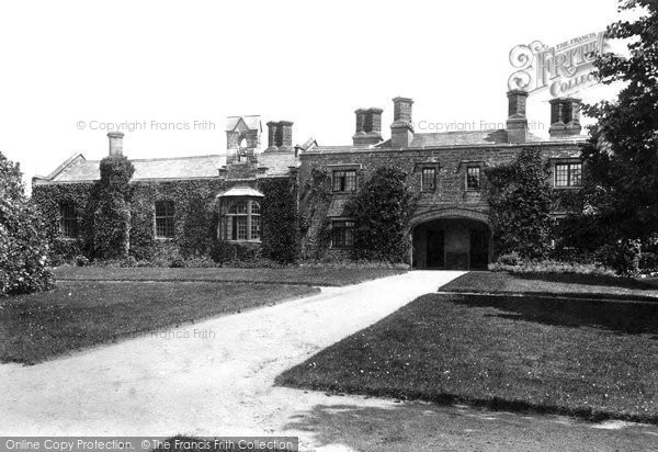 Endsleigh, Green, the Schools 1908