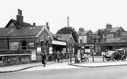 Enfield, the Station c1945