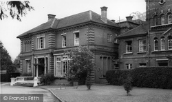 Woodlee c.1960, Englefield Green