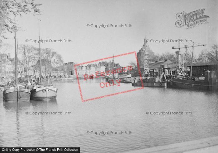 Photo of Enkhuizen, Harbour c.1938