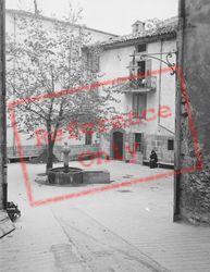 Fountain c.1939, Entrevaux