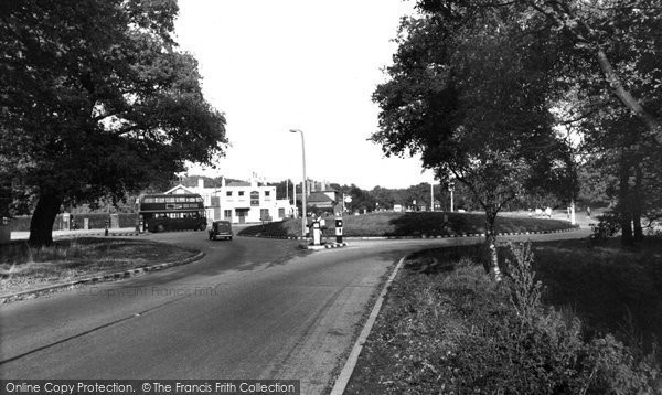 Epping, The Wake Arms Inn c.1955