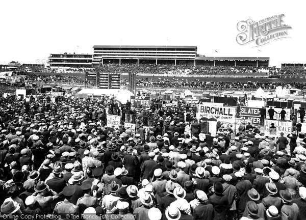 Epsom, Derby Day, 1927 Reproduced courtesy of The Francis Frith Collection
