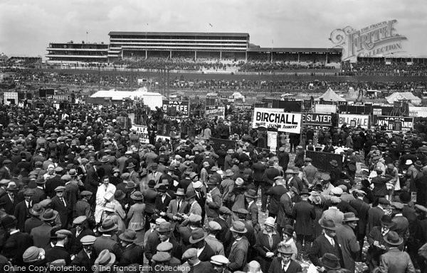 Photo of Epsom, Derby Day 1927, ref. E37501