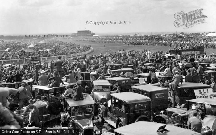 Photo of Epsom, Derby Day, view from Tattenham Corner 1928, ref. 81596