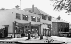 Epsom, Headley Parade c.1955