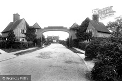 Epsom, Meadway 1927