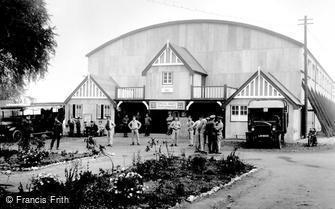 Epsom, Recreation Hall, Woodcote Park 1915