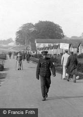 Epsom, Soldiers, Woodcote Park 1917