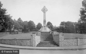 Epsom, War Memorial 1923