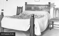 Old Rectory, Early 18th Century Bed And Bedspread c.1955, Epworth