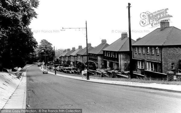 Erith, Avenue Road c1955