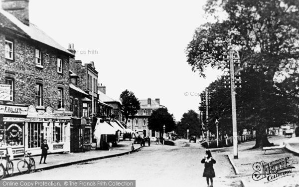 Esher, High Street, 1910 Reproduced courtesy of The Francis Frith Collection