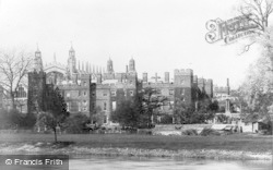 Eton, College From The River c.1900