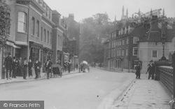 Eton, College, Pupils At Barnes Pool 1914