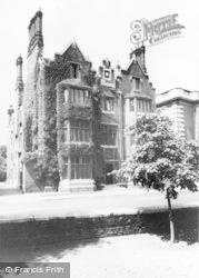 Eton, Durnford House, Eton College c.1965