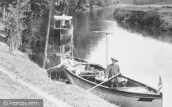 Eton, The River Thames, Pushing Off 1909