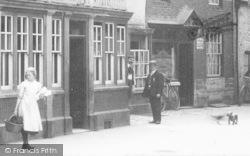 Market Place, People 1910, Evesham