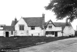 Old Almonry 1910, Evesham