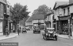 Ewell, Cars In The High Street 1924