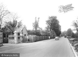 Ewell, Ewell Park Entrance 1925