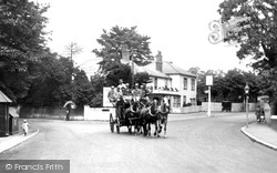 Ewell, The Spring Hotel And Stage Coach 1924