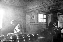 Ewenny, Pottery, At Work 1936