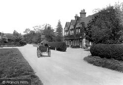 Ewhurst, Bulls Head Hotel 1929