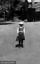Ewhurst, Schoolgirl 1922