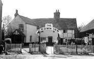 Ewhurst, the Crown Inn c1955
