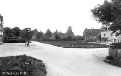 Ewhurst, The Green 1911