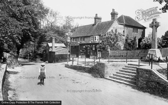 Photo of Ewhurst, the Memorial 1922