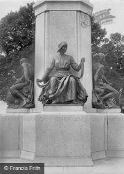 Exeter, Base Of War Memorial, Figure Of Vad Nurse 1924