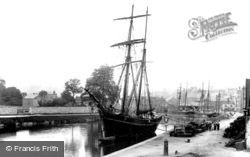 In The Port 1896, Exeter