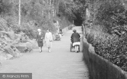 Exmouth, Rock Garden, Maderia Walk, Promenading 1931