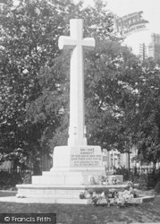Exmouth, War Memorial 1922