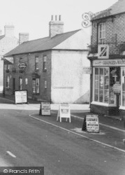 The 'red Lion' And Grocers c.1955, Eye