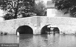 Eynsford, The Bridge c.1955