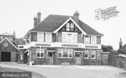 Eythorne, The White Horse c.1955