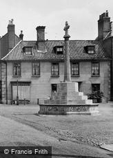 Fakenham, War Memorial 1929