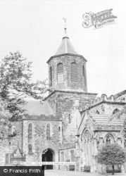 Falkirk, The Old Parish Church c.1965