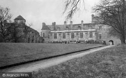 Palace 1948, Falkland