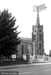 Fareham, Holy Trinity Church c.1965