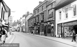 Faringdon, London Street c.1960
