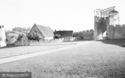 Farleigh Hungerford, The Chapel And Gate c.1955