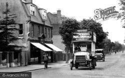 Farnborough, Bus In Alexandra Road 1919