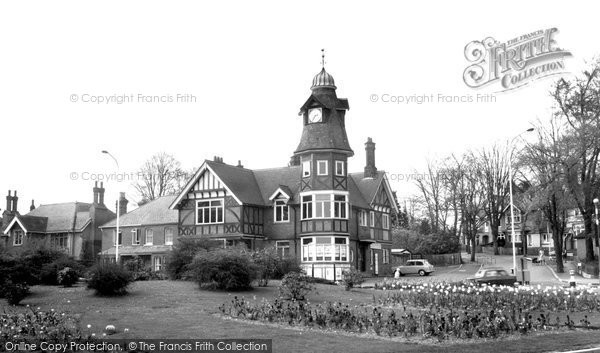 Farnborough, Clock Tower c1965.  (Neg. F9193)  © Copyright The Francis Frith Collection 2007. http://www.francisfrith.com