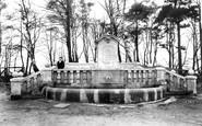Farnborough, Memorial Fountain 1905